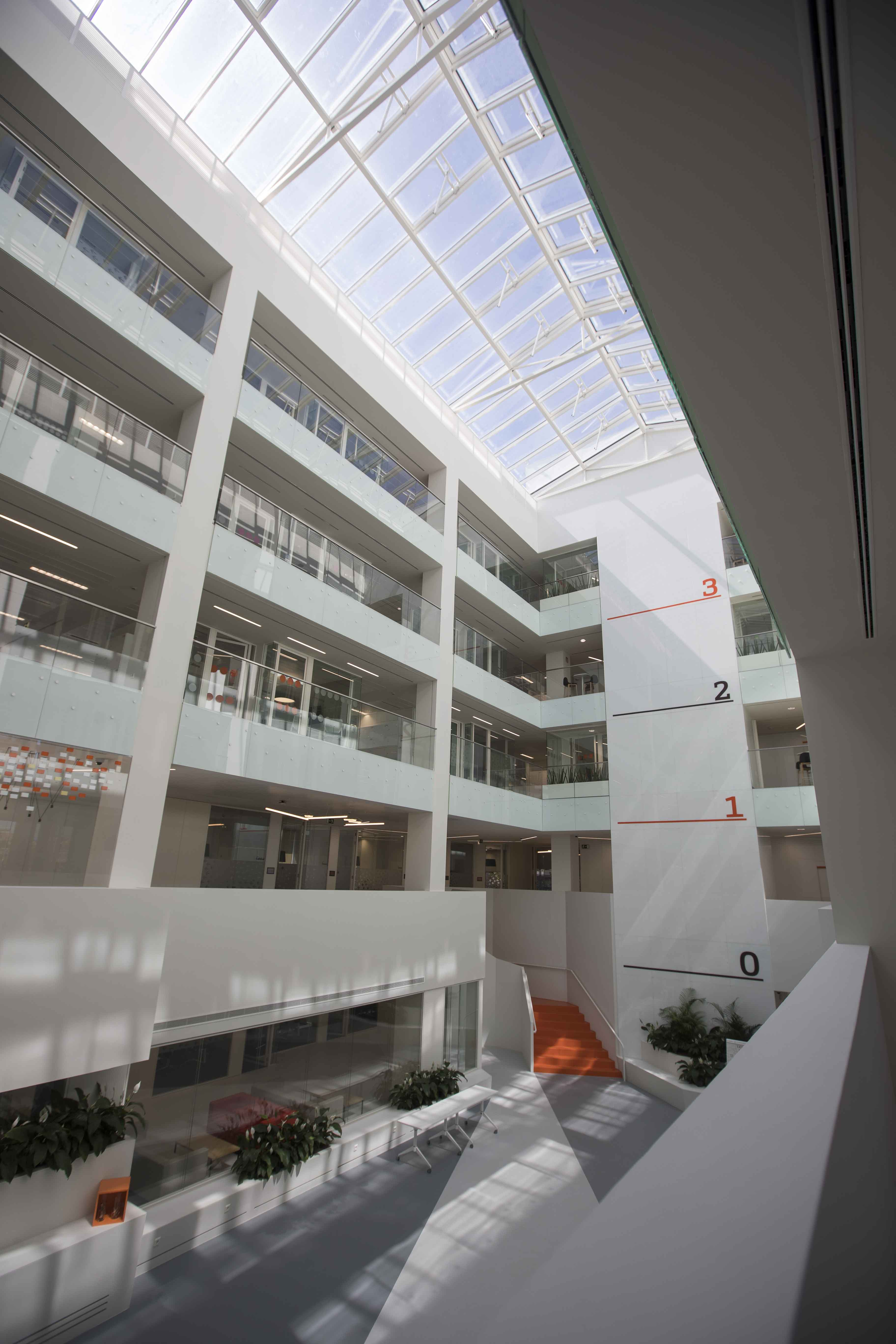 Edificio de oficinas bankinter h2g2 - Bankinter oficinas en madrid ...